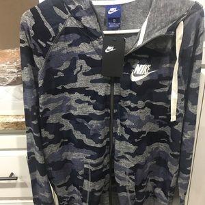 Nike new camouflage thin sweatshirt size XL